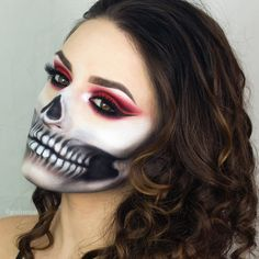 10 Spooky Makeup Looks for the Halloween Fanatic Costume Halloween Duo, Halloween Tutorial, Halloween Inspo, Halloween Makeup Looks, Spooky Halloween, Halloween Stuff, Vintage Halloween, Costume Ideas, Fx Makeup