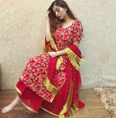 Pakistani Dress Design, Pakistani Dresses, Indian Dresses, Indian Outfits, Kurta Designs, Kurti Designs Party Wear, Embroidery Suits Punjabi, Embroidery Suits Design, Embroidery Fashion