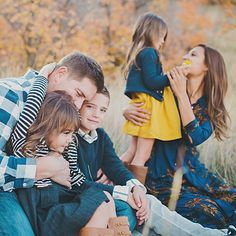 Loving these blues & yellows for fall pics. Copyright: Angie Monson Photography; Missing the colors of fall.