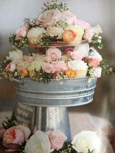 I love this cupcake display!