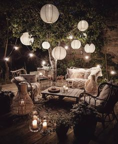 String Lights Outdoor Porch - New ideas String Lights Outdoor, Outdoor Lighting, Bohemian Porch, Bohemian Decor, Budget Home Decorating, Garden Wedding Decorations, Backyard Patio, Backyard Ideas, Outdoor Dining