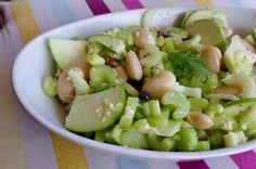 Salade de céleri, pomme verte et fèves - sauce au parmesan - KiyaKuisine