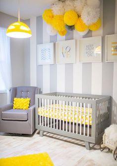 Quarto De Bebê cinza claro e amarelo