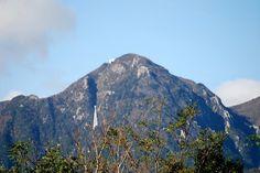 菰野町菰野地区 御在所岳を望む   平成24年11月10日撮影