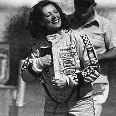 Shirley Muldowney Shirley Muldowney, Nhra Drag Racing, Auto Racing, Plymouth Muscle Cars, Top Fuel Dragster, Grid Girls, Drag Cars, Top Funny, Car And Driver