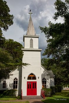 Fayette County, Church Pictures, Old Churches, Swiss Alps, Texas, Cabin, House Styles, Home, Cabins
