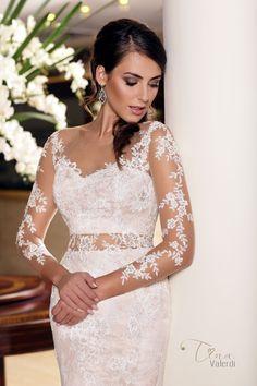 Wedding dress Magdalena by Tina Valerdi