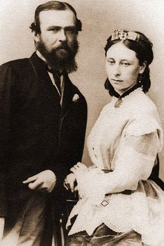 Grand Duke Louis of Hesse and his wife, Grand Duchess Alice previously Princess Alice of the United Kingdom) - parents of the last Russian tsarina, Alexandra Feodorovna (nee Princess Alix of Hesse). Queen Victoria Children, Queen Victoria Family, Queen Victoria Prince Albert, Victoria And Albert, Princess Victoria, Alexandra Feodorovna, Princess Louise, Prince And Princess, Luis Iv