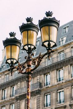 Instead of going to Paris—let's bring Paris to you! Want to bring a touch of Parisian-inspired flair to your home? This makeover guide is for you! Studio Apartment Layout, Small Studio Apartments, Studio Apartment Decorating, Parisian Apartment, Apartment Interior Design, Interior Styling, Apartment Living, Paris Travel Tips, French Cafe