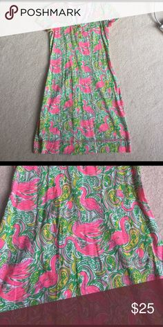 Flamingo dress made of cotton XS Fun flamingos flock among a small paisley (pink, yellow and green) shape. 3 gold buttons down the front Lilly Pulitzer Dresses