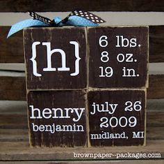 Custom baby blocks: wood blocks, paint and vinyl letters. Custom baby blocks: wood blocks, paint and vinyl letters. Baby Outfits, Cute Gifts, Diy Gifts, Handmade Gifts, Baby Boys, Baby Momma, Cadre Diy, Bebe Love, Brown Paper Packages