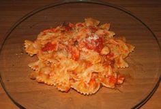 Farfalles aux champignons et lardons WW, recette d'un bon plat de pâtes nappés de sauce tomate aux champignons et lardons, facile et rapide à confectionner pour un repas du soir.