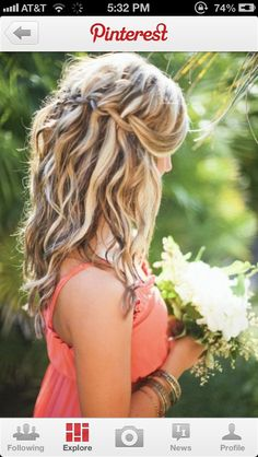 a fantastic blonde and brown hair do with a little but of waves !!