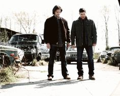 "(gif) ""We're the Winchesters. I'm Dean, and this is my brother, Sam."""