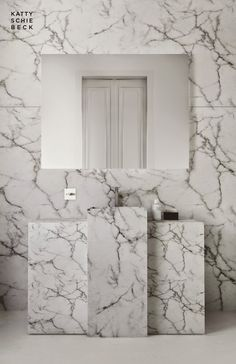 Katty Schiebeck - Barcelone apartment Bathroom Spa, Bathroom Toilets, Modern Bathroom, Minimal Bathroom, Family Bathroom, Washroom, Bathroom Ideas, Arquitetura E Design, Bath Design
