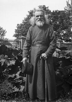 Swedish life in the Swedish Men, Orthodox Priest, The Swede, Russian Men, Russian Culture, Russian Orthodox, Pose For The Camera, Ikon, Art History