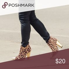 """Shoedazzle Leopard Print Gold Ankle Booties KOFINNA. In good condition, however scuffing over metal pointed toe and gold block heel. Leopard print feels like a soft suede but not real suede. Side zipper detailing. Gold metal cap toe. Heel height is 4"""" ❌NO TRADES OR PAYPAL❌ Shoe Dazzle Shoes Ankle Boots & Booties"""