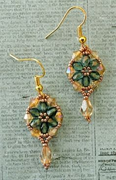 Linda's Crafty Inspirations: Bracelet of the Day: Crystal Tile - Teal & Pale Gold