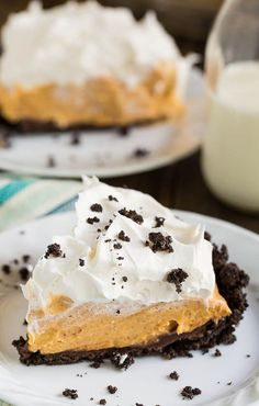 No bake Pumpkin-Chocolate Icebox Pie - a cool and creamy pie that is perfect for enjoying pumpkin during the summer.