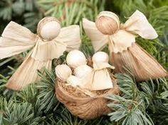 Christmas Gift Decorations, Christmas Crafts For Kids, Diy Christmas Ornaments, Xmas Crafts, Christmas Treats, Christmas Holidays, Diy And Crafts, Holiday Decor, Corn Husk Crafts
