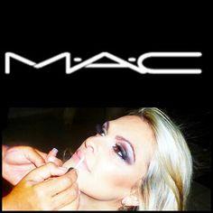 Makeup noite  para loiras  A incrível fabiana arruda viveu esta experiência incrível.  #geraldpizzimakeupartist #maccosmetics #macbrazil #makeup