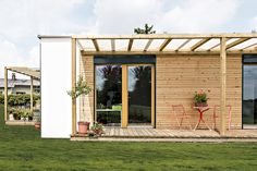 Bungalow, Natural Building, Living Environment, Building Materials, 2 In, Tiny House, Pergola, Garage Doors, Outdoor Structures