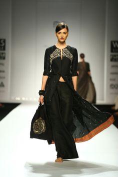 Fall/Winter by Kiran and Meghna. Description by Pinner Mahua Roy Chowdhury. Casual Formal Dresses, Nice Dresses, India Fashion, Ethnic Fashion, Indian Attire, Indian Wear, Indian Dresses, Indian Outfits, Chudidhar Designs