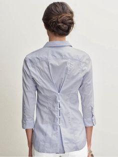 os  seios grandes precisam de camisas maiores para não abrirem mas não caem bem no corpo então faça pences ou use desta forma