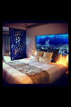 An aquarium is a pleasing method of displaying that you just love nature and that you have a must cope with it. A home aquarium is likely one of the Aquarium Design, Wall Aquarium, Home Aquarium, Home Bedroom, Bedroom Decor, Bedrooms, Fish Tank Design, Cool Fish Tanks, Amazing Aquariums