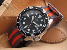 Seiko Diver SKX007 on  MiLTAT 22mm G10 military watch strap ballistic nylon school look armband - Grey & Orange