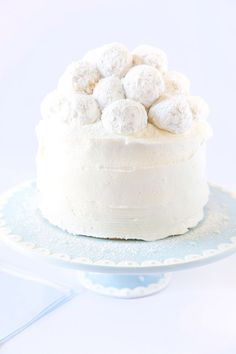 Best baby shower cake recipe! Vanilla Almond Snowball Cake