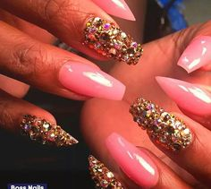 Pink & gold nails on fleek