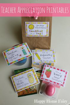 5 Simple Teacher Appreciation Gifts - FREE Printables - Happy Home Fairy teacher appreciation free printables - 5 days of inexpensive and adorable and EASY gifts for the teacher! Preschool Teacher Appreciation, National Teacher Appreciation Day, Staff Appreciation Gifts, Teacher Treats, Happy Home Fairy, Teachers Day Gifts, Teacher Presents, Teacher Gifts Cheap, Kids Gifts