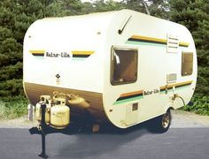 This is an awesome website on micro lite campers! Ultra Light Travel Trailers, Mini Travel Trailers, Camping Guide, Diy Camping, Diy Camper Trailer, Camper Van, Lightweight Travel Trailers, Rv Show, Tin Can Tourist