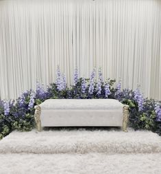Wedding Backdrop Design, Wedding Stage Design, Wedding Reception Backdrop, Simple Wedding Decorations, Wedding Wall, Pelamin Simple, Flower Arrangements Simple, Background Decoration, Wedding Background