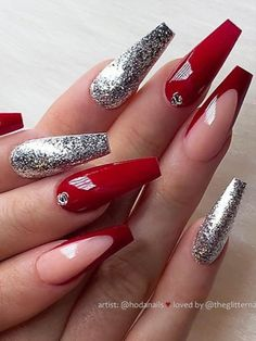 Red nails suit every woman for a perfect sexy look, so check out the best red nail art designs for inspiration and choose what suit you! Xmas Nails, Prom Nails, Christmas Nails, Silver Nail Designs, Long Nail Designs, Long Red Nails, Coffin Nails Long, White And Silver Nails, Silver Glitter
