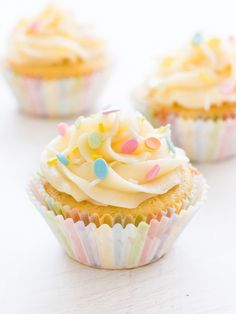 This recipe makes the best vanilla cupcakes! They're moist, full of vanilla flavor and topped with fluffy buttercream frosting.   www.ifyougiveablondeakitchen.com