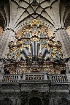 Organ in Salamanca cathedral in Spain pipe-organ-porn