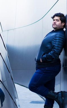 What We Do in the Shadows is getting a TV reboot & Harvey Guillen is part of the cast! We chat about that project & his return to The Magicians tonight on Syfy. Mens Plus Size Fashion, Chubby Men Fashion, Big Men Fashion, Harvey Guillen, Butch Fashion, Big Boyz, Man Anatomy, Human Poses Reference, Plus Size Men