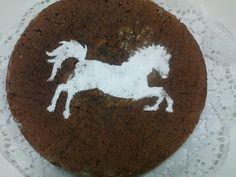 Bolo com stencil de cavalo