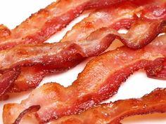 Przetworzone mięso je niemal każdy. Jego przydatność do spożycia wydłuża się choćby przez puszkowanie, dodawanie konserwantów, czy wędzenie. Sposobów jest znacznie więcej. Ale nie ze wszystkich inform...