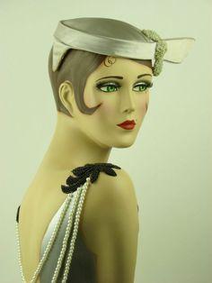 VINTAGE HAT 1950s SILVER GREY SATIN LADIES PILLBOX HAT w WING, STUNNING!