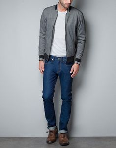 Must-have men's pants to go with any outfit at ZARA online. Enter now and discover all the pants of the new collection at ZARA. Casual Look For Men, Casual Looks, Outfit Invierno, Online Zara, Boyfriend Style, Zara United States, Men Dress, Latest Trends, Bomber Jacket