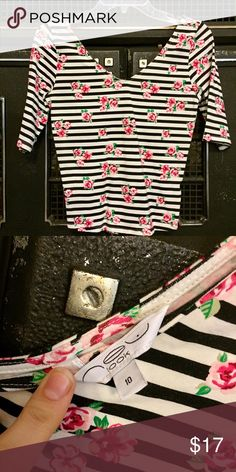 Roses and stripes crop Elbow length sleeves. Wide V neck in front and back. Purchased in Dubai and worn once. 97% cotton 3% spandex. Perfect condition. UK size 10 US size 6 or S/M New Look Tops Crop Tops