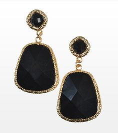 Black Stone Earrings - I have to get these for NYE! they're so awesome Stone Earrings, Beaded Earrings, Drop Earrings, Black Stones, Magpie, Nye, Ear Piercings, Bling Bling, Wedding Stuff