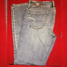 American Eagle Brand ;; American Eagle Size ;; 10 Condition ;; New with tags   Smoke Free Home ❗️  Clean. Can 'refresh' once sold. No stains / rips / tears / holes.   Happy to listen to offers   Thanks for looking   Happy Poshing!  X Mellissa X American Eagle Outfitters Jeans Skinny