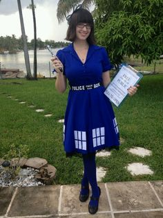 Aaaaaah, I really like this TARDIS dress!  I would actually wear this one!