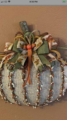 Fall Pumpkin Crafts, Autumn Crafts, Thanksgiving Crafts, Fall Pumpkins, Holiday Crafts, Pumpkin Wreath, Thanksgiving Decorations, Holiday Ideas, Dollar Tree Fall