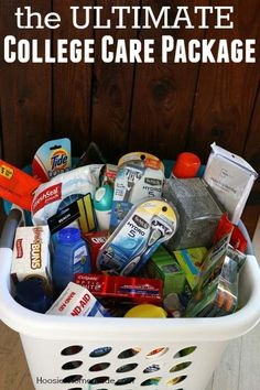 This Ultimate College Care Package will BLOW your student away! College kids are This Ultimate College Care Package will BLOW your student away! College kids are College Gift Baskets, College Dorm Gifts, College Hacks, College Care Packages, College Dorms, College Students, Care Package College, Graduation Gift Baskets, College Packing