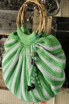 Crocheted bag.  For more images and videos, go to - http://sussle.org/t/Crochet